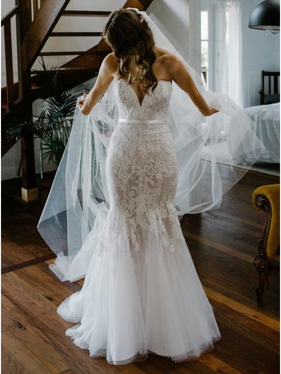 Mermaid Sweetheart Sweep Train Wedding Dress with Appliques