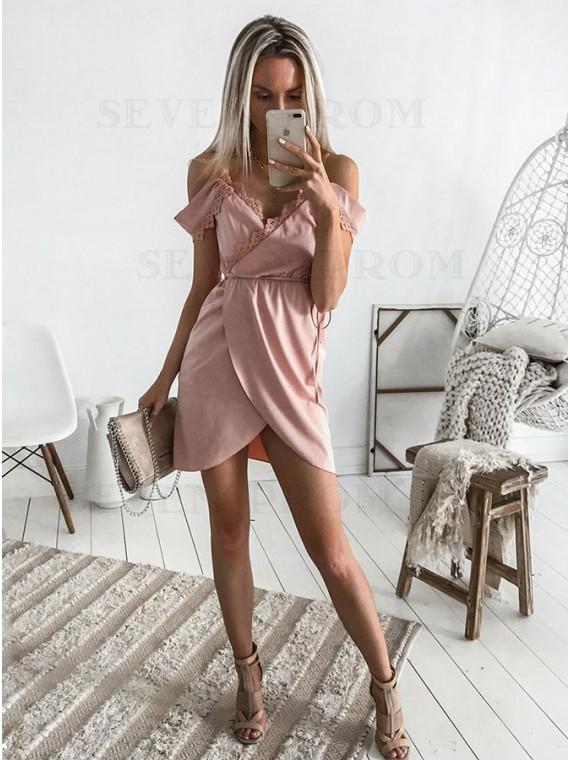 A-Line Spaghetti Straps Short Pink Chiffon Homecoming Dress with Lace