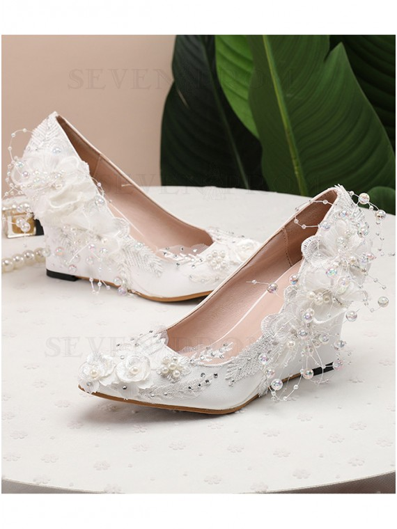 White Chunky Heels Lace Bnquet Beaded Shoes