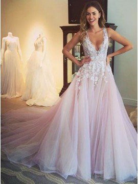Glamorous V-Neck Sleeveless Sweep Train Appliques Prom Dress