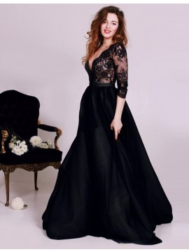 Elegant Sweetheart Sleeveless Sweep Train Black Prom Dress with Beading