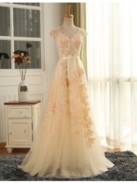 Modern Scalloped-Edge Long Sleeves Short Prom Dress with Lace Flower