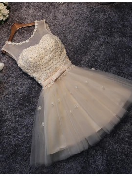 Modern A-line Champagne Scoop Above-knee Prom Dress with Appliques Pearls