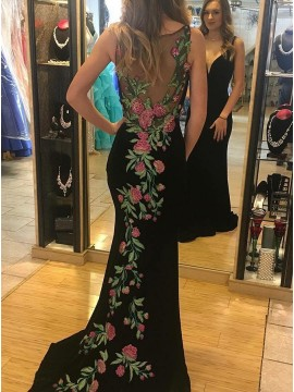 Deep V-Neck Long Black Prom Dress with Embroidery Mermaid Evening Dress