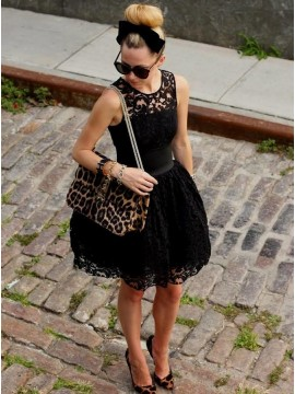 A-Line Jewel Short Black Lace Homecoming Dress