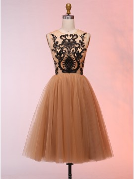 A-Line Round Neck Short Champagne Tulle Prom Dress with Appliques