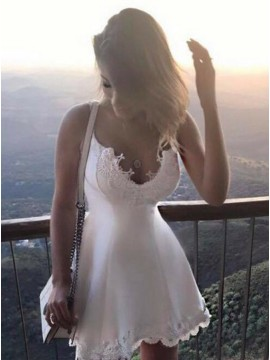 A-Line Scoop White Short Homecoming Dress with Appliques