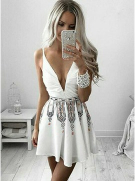 A-Line Deep V-Neck White Printed Chiffon Homecoming Dress