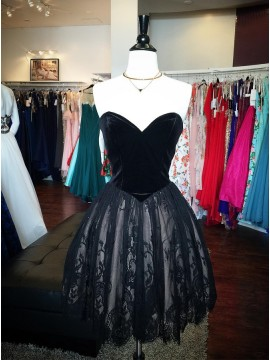 A-Line Sweetheart Above-Knee Black Homecoming Dress with Lace