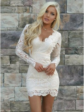 Sexy V-Neck Short White Lace Homecoming Cocktail Dress with Long Sleeves
