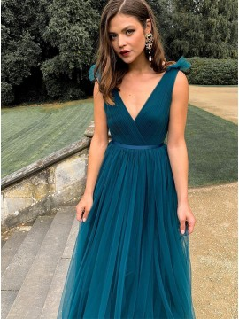 V-neck Tulle Long Emerald Bridesmaid Dress