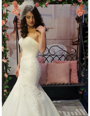 Mermaid Sweetheart Sweep Train Wedding Dress with Appliques