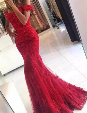 Exquisite Red Off the Shoulder Short Sleeveless Lace Mermaid Prom Dress