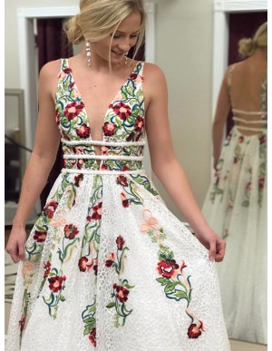 Popular Deep V-Neck Backless White Prom Dress with Appliques Floral Prom Dress